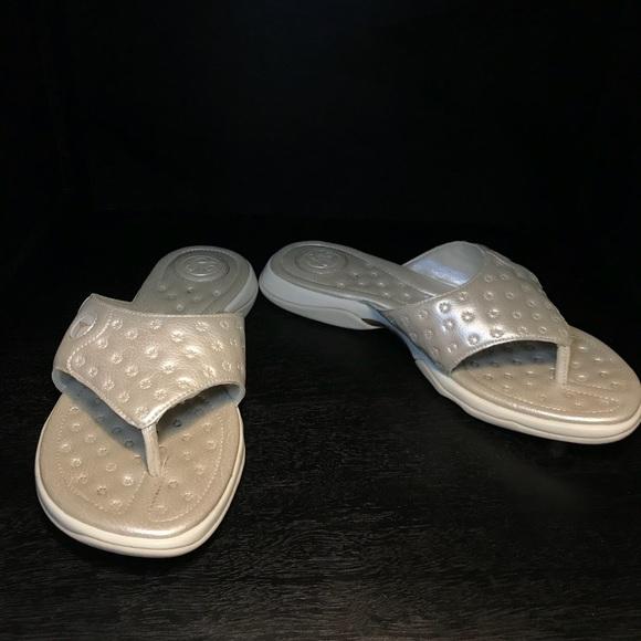 e1ca252f80319 Jordan Shoes - Vintage JORDAN S Metallic Gold Prima Thong Sandal